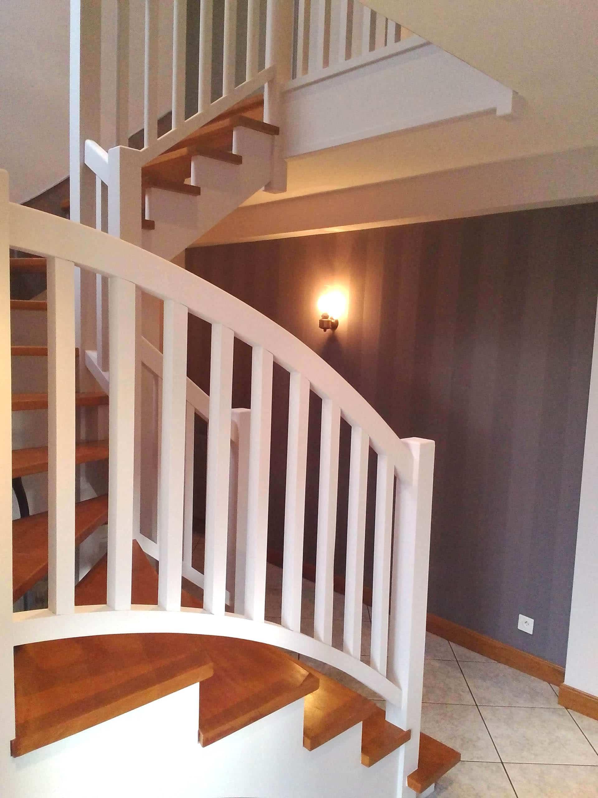 Mise en couleur d'un escalier bois