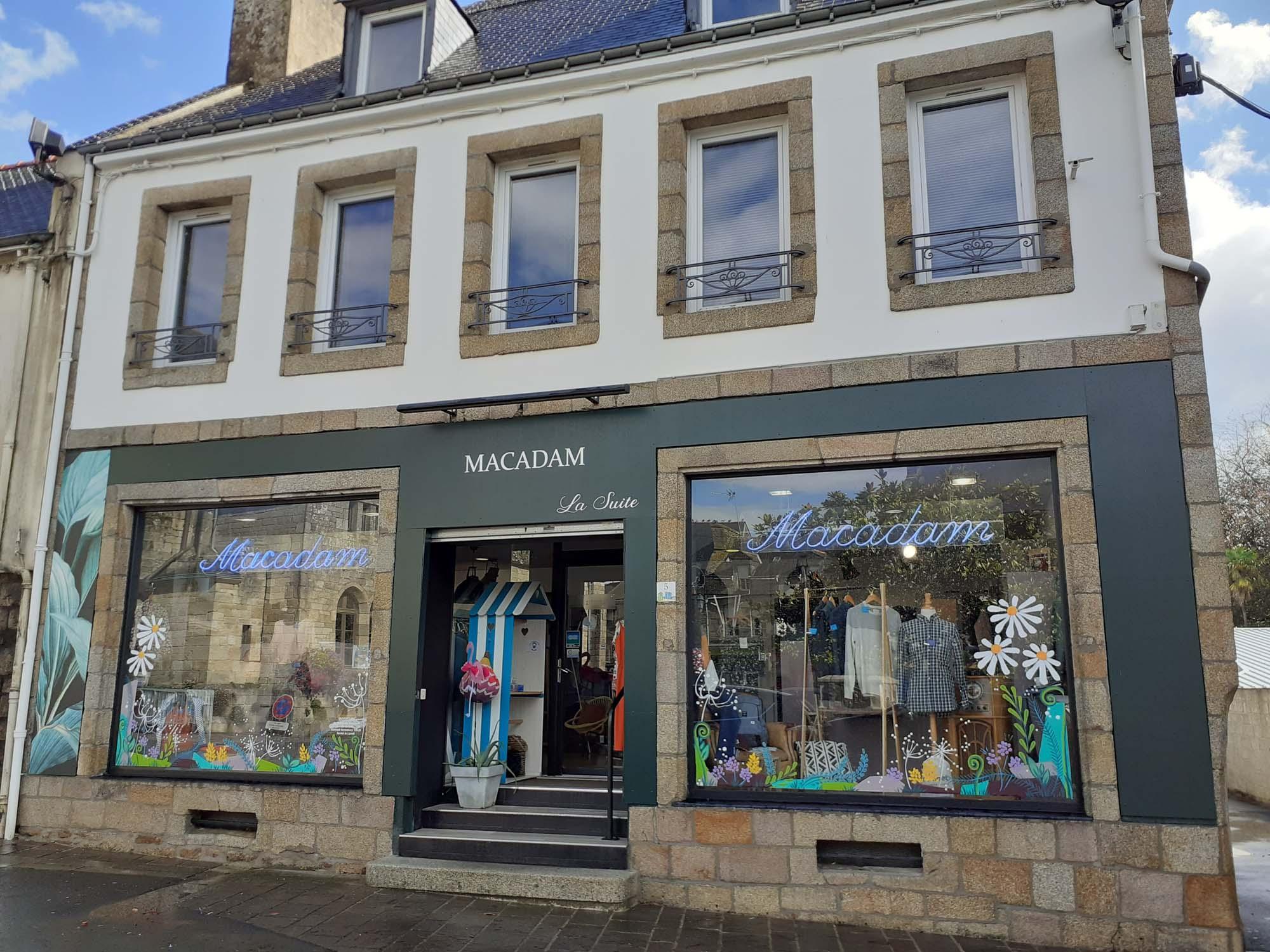 Peinture extérieure façade Macadam à Baud - Art & Déco, peintre a Languidic, proche Lorient, Pontivy et Vannes dans le Morbihan